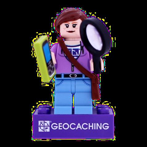 Geocacherin Hidey mit trackable Legostein